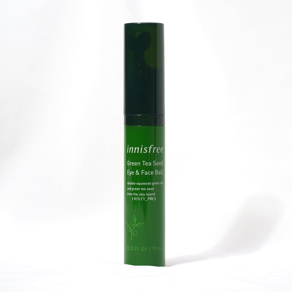 INNISFREE'S GREEN TEA SEED EYE & FACE BALL REVIEW